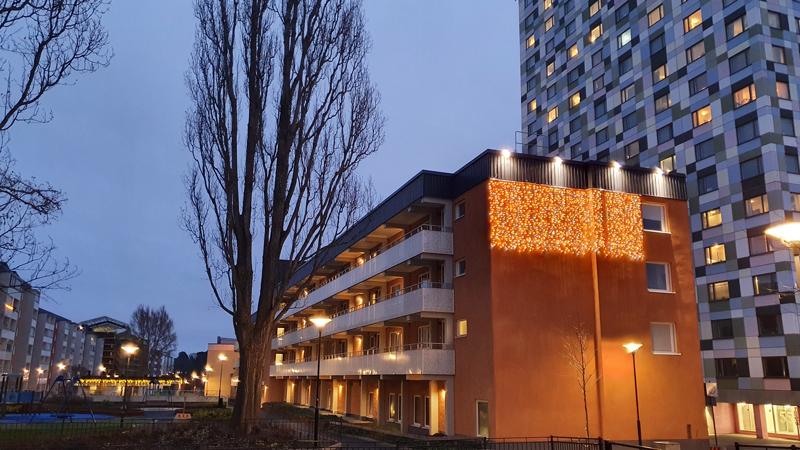 Svenska Bostäder har satsat mycket på extra julbelysning